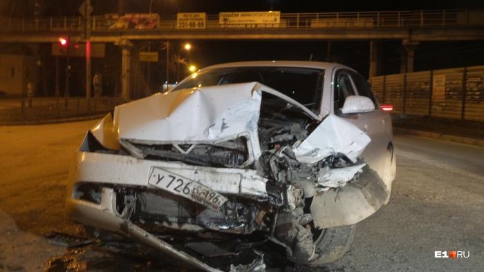 У обеих машин разбита передняя часть