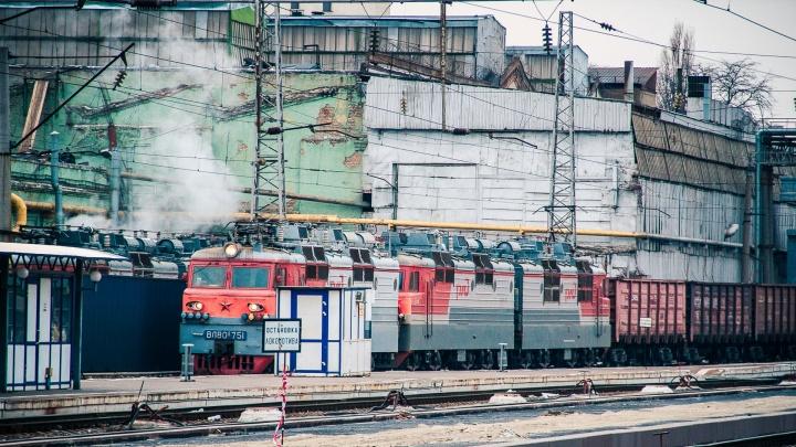 В Таганроге мужчина погиб под колесами грузового поезда