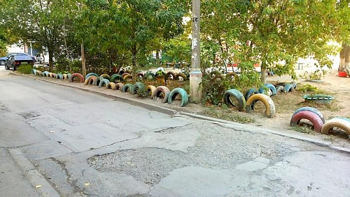 «Убрать из всех дворов»: Волжский начали расчищать от страшных покрышек