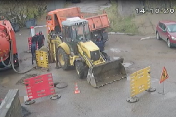 Сейчас на месте аварии работают сотрудники «Уфаводоканала»