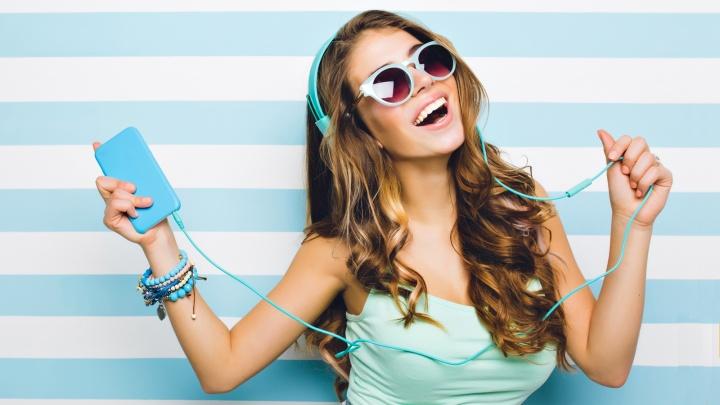 Собрать смартфон в отпуск: гипермаркет устроил распродажу на внешники, чехлы и защитные стекла