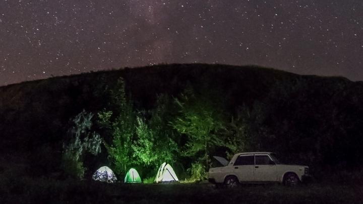 Ваша песенка спета: в Волгограде приставы свернули палатки в лагере бардов