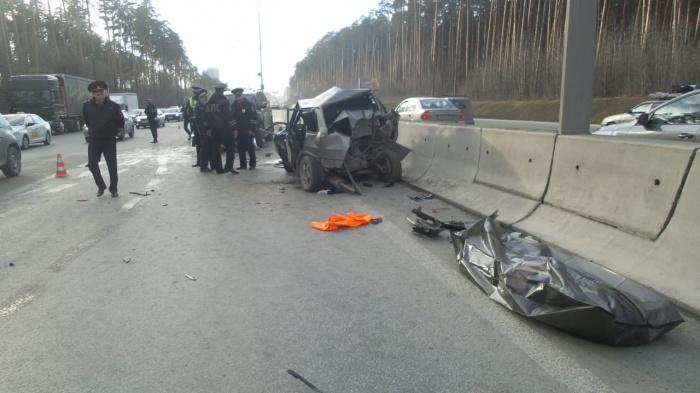 Одна из пассажирок ВАЗа погибла на месте
