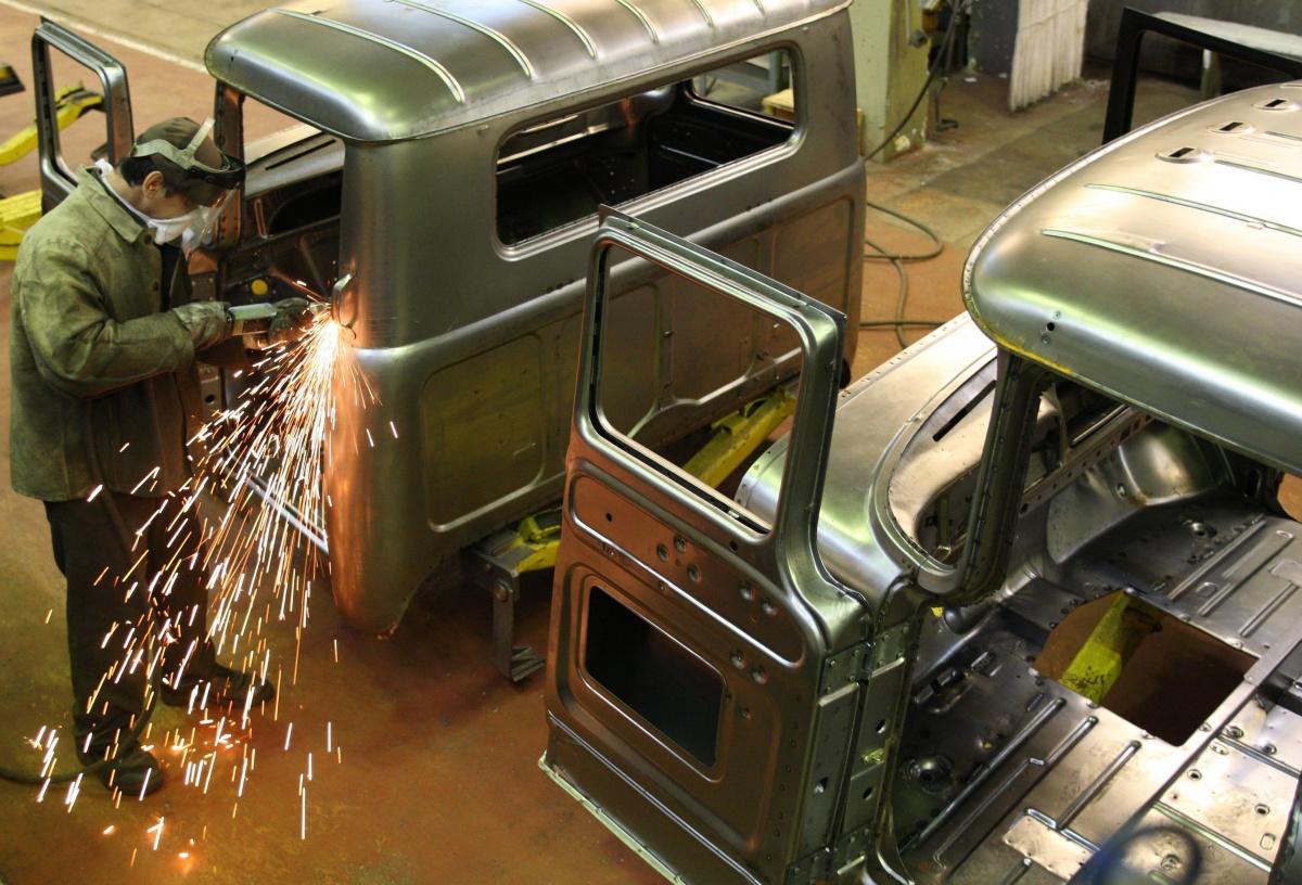Когда-то ЗИЛы были единственными машинами, которые выпускал завод