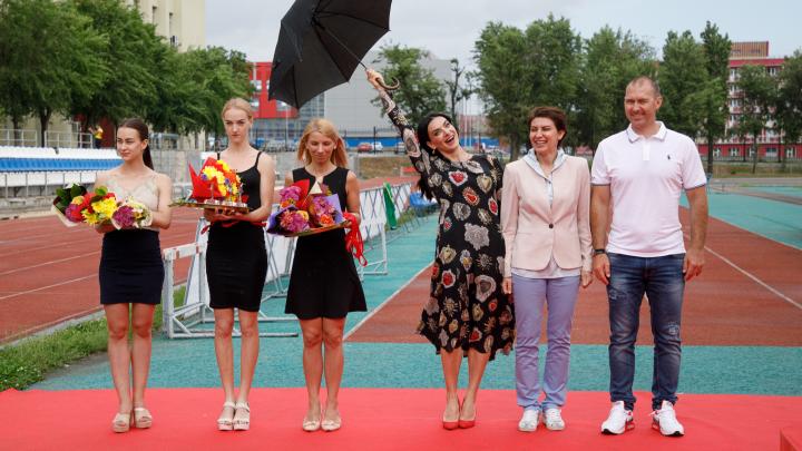 Под солнцем и проливным дождем: легкоатлеты установили в Волгограде 16 рекордов на Кубке Исинбаевой