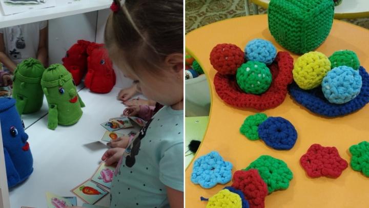 В детсаду на правом берегу педагоги связали для детей коллекцию игрушек