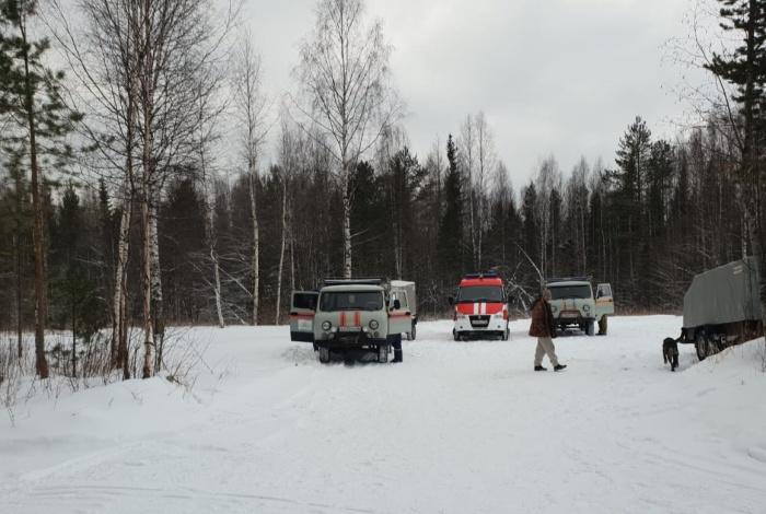 Туристок ищут спасатели, пожарные, полиция и волонтеры