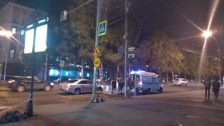 Водитель сбил девушку на Красном проспекте