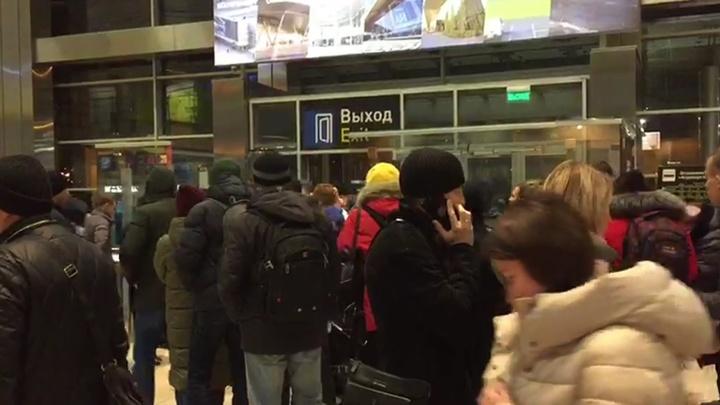 В Кольцово утром объявили об эвакуации