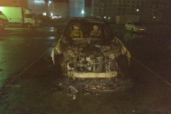 Пожар случился на переполненной парковке