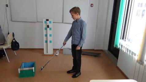 Красноярский школьник изобрел электронную трость-поводырь для слабовидящих людей