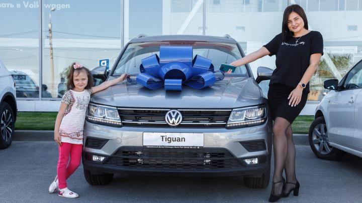 Тест-драйв с чемпионом и откровенный ТО: волгоградцам презентовали первый digital шоу-рум Volkswagen