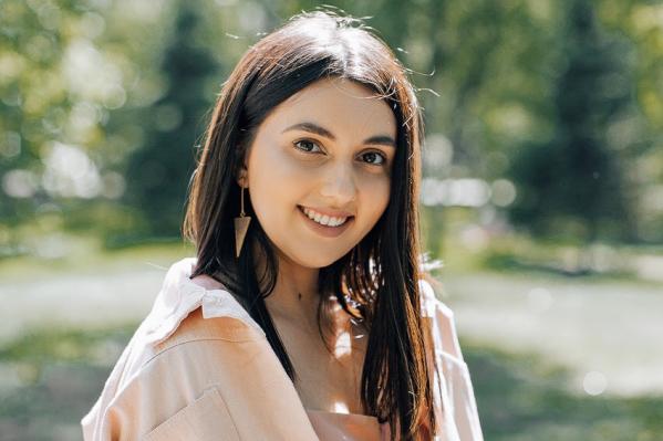 Анастасия Петухова воспитывает дочь и работает визажистом