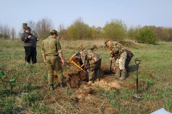 Даже спустя 74 года после окончания войны поисковики находят тела погибших бойцов Красной Армии