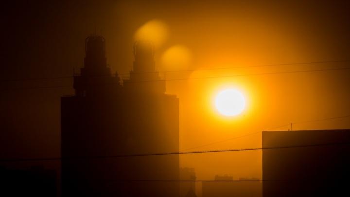 Дышать нечем: в безветренном Новосибирске объявили штормовое предупреждение