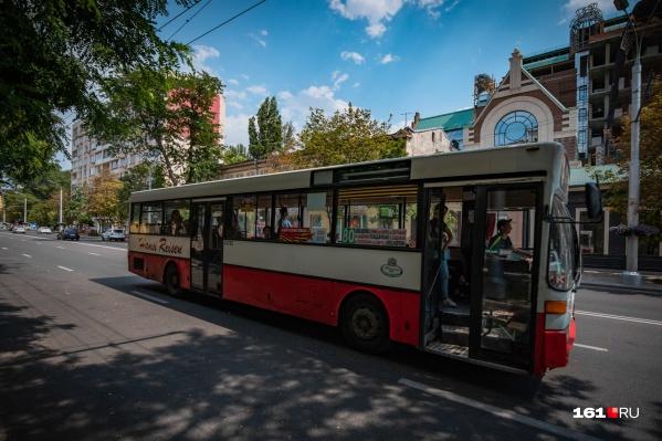 Во многих городских автобусах летом невыносимо жарко