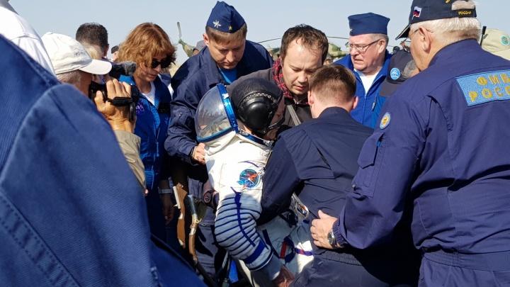 Тюменские ребята увидели, как на Землю возвращается космический корабль