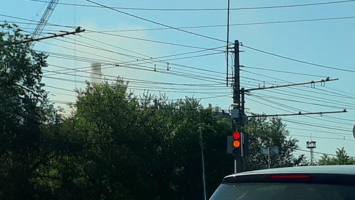 «Красный Октябрь» в Волгограде снова выпустил в небо столб едкого дыма