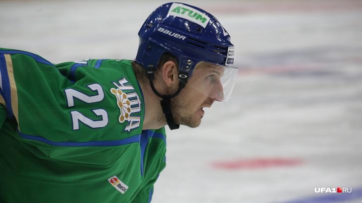 Проиграть за 20 минут: «Салават Юлаев» пропустил за период три шайбы и уступил «Сочи»