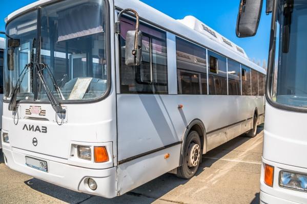 Для удобства жителей часть автобусов марки МАЗ заменили на более вместительные ЛиАЗы