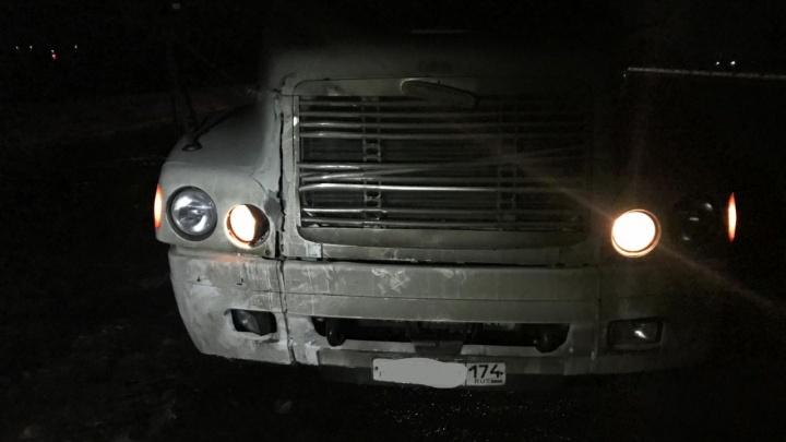 Ночью в Самарской области женщина попала под колёса грузовика на трассе