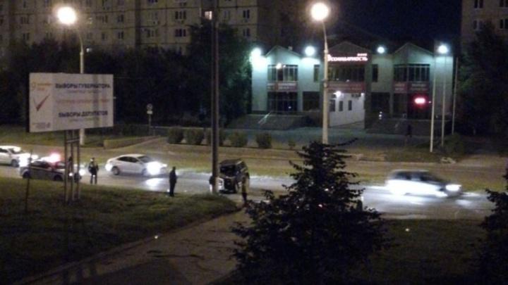 «Водитель был пьян»: в Тольятти «Нива» на скорости врезалась в столб