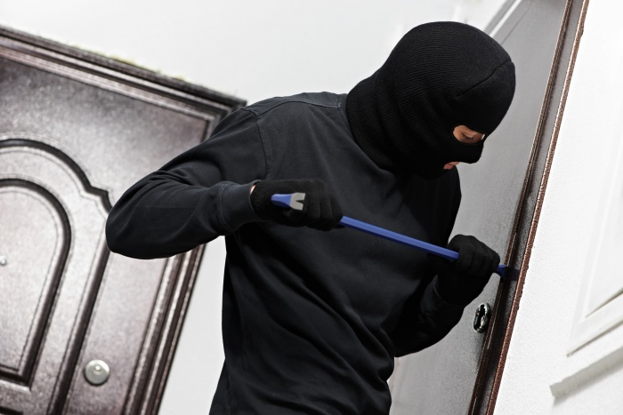 Даже в современных мегаполисах проблема домашних краж остается актуальной
