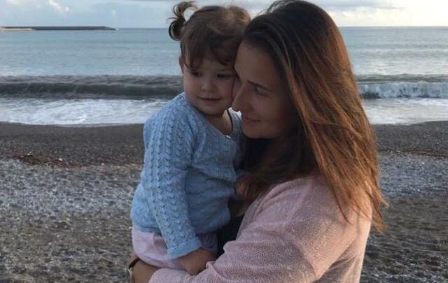 Екатеринбурженке, у которой через суд забирает дочь итальянский муж, поможет омбудсмен