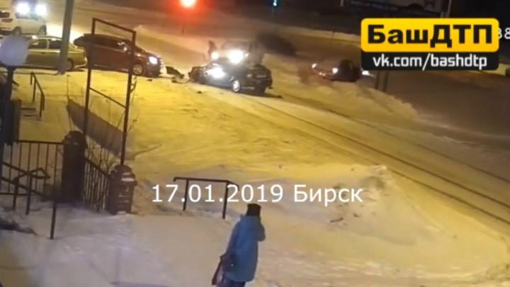 Массовое ДТП в Бирске попало на видео