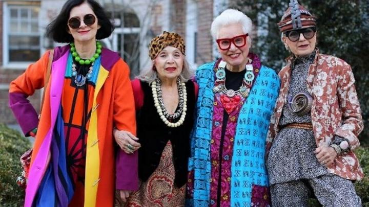 Английский, модные показы и финансовая грамотность: открылся новый образовательный клуб для пенсионеров