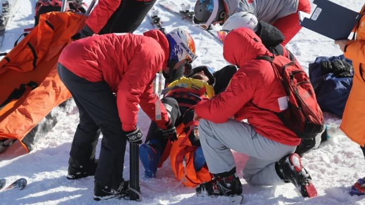Врачи отпустили из больницы спортсмена, получившего травму на Кубке мира по фристайлу