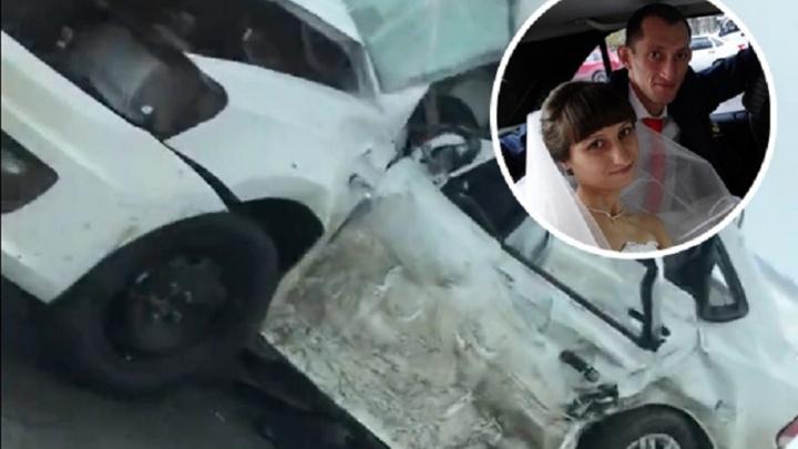 Беременная тюменка с мужем разбились на трассе под Голышманово. Мужчина погиб, женщина в реанимации