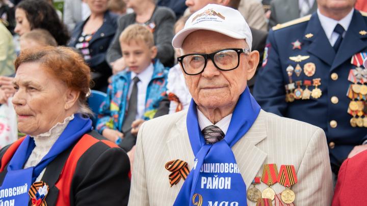 Донским ветеранам ко Дню Победы пообещали выплатить по 75 тысяч рублей