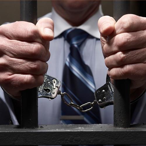 Обвиняемый в вымогательстве экс-глава СКР Кузбасса оставлен в СИЗО до ноября