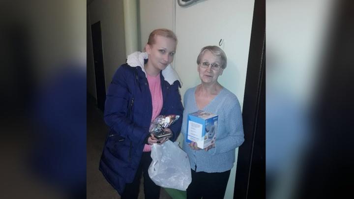 Жители в «Солнечном» скинулись на тонометр для соседки-пенсионерки. Она потеряла свой при пожаре