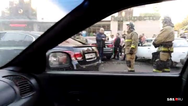 ДТП на миллионы: на Западном произошла тройная авария с участием «Ягуара» и BMW