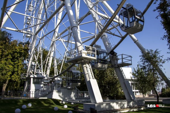 Высота колеса обозрения «Одно небо» — 65 метров