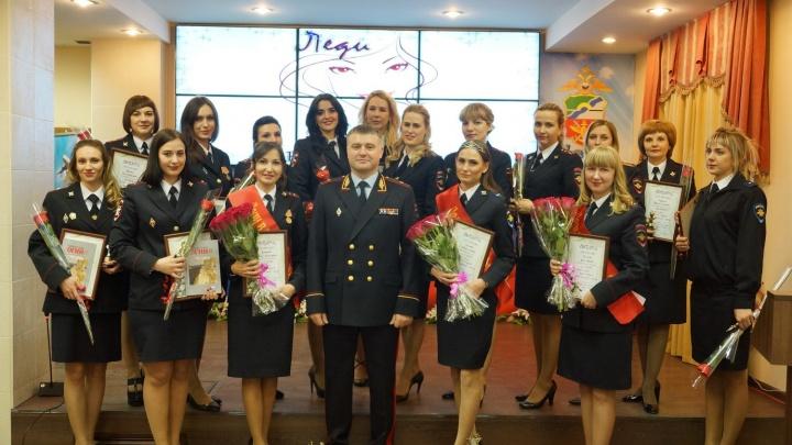 Старший лейтенант из Красноярска стала самой красивой сотрудницей транспортной полиции в Сибири