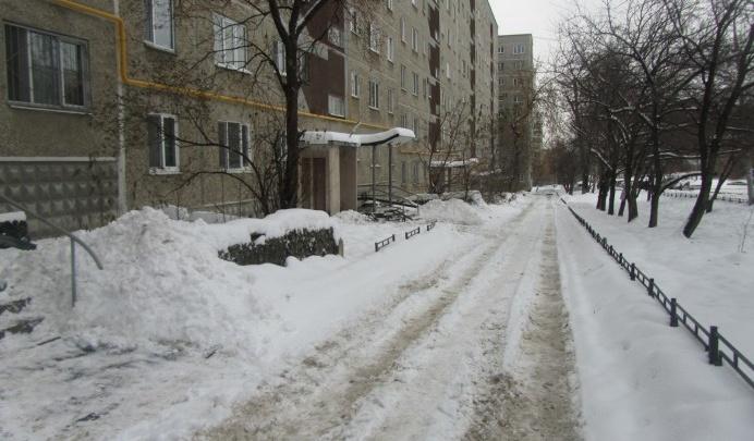 Екатеринбург увяз в снегу: собираем народную карту нечищеных дворов