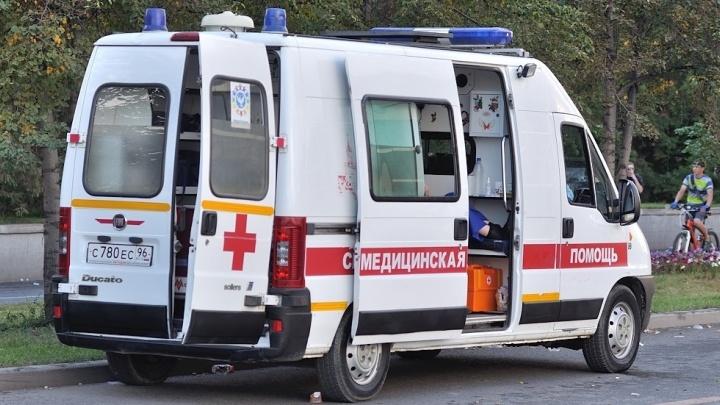 В Пионерском районе 16-летняя школьница порезала живот и шею подростку