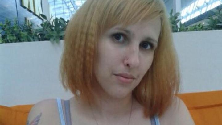Уехала на работу и пропала: в Новосибирске ищут девушку в длинной куртке