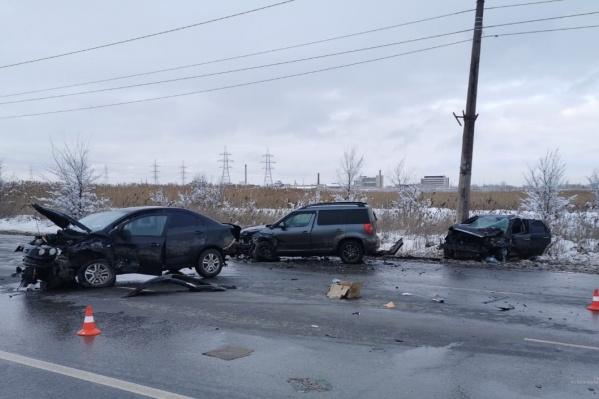 Авария произошла на улице Лазоревой