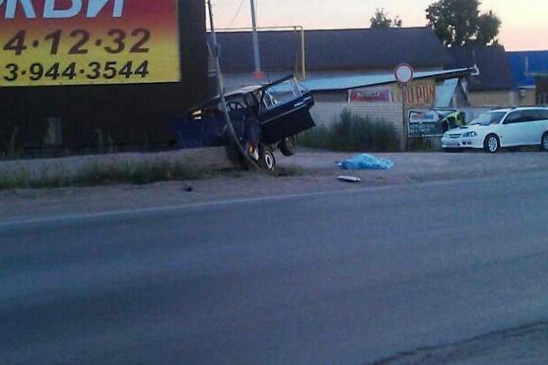 Авария произошла в 4:00 на ул.Клубная в Ленинском районе Новосибирска