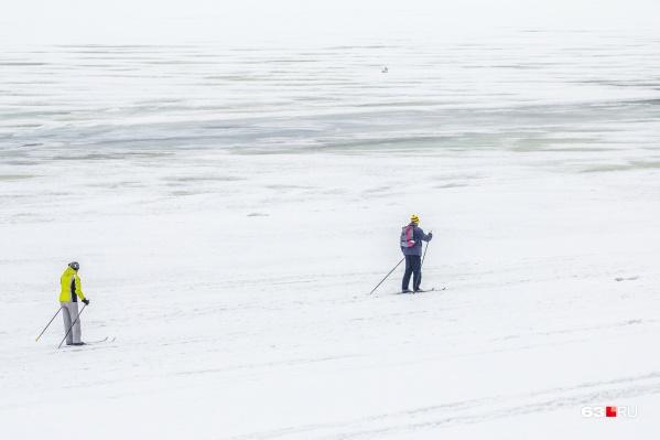 Самарцам рекомендуют быть осторожными при выходе на лед
