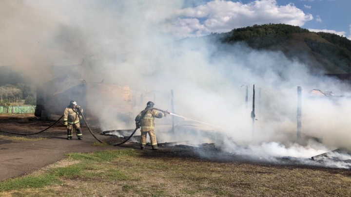 В детском лагере в Башкирии вспыхнул пожар