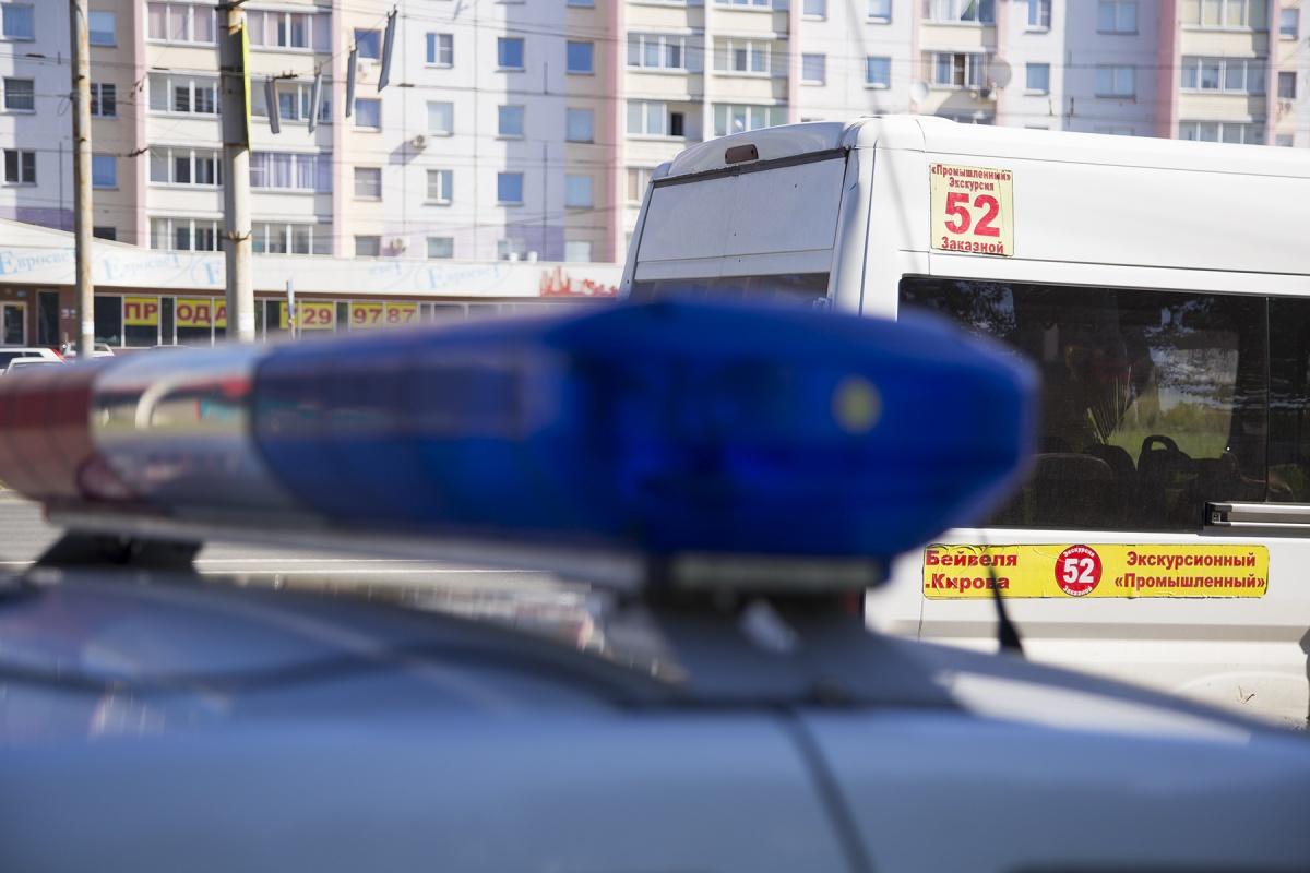 Обстоятельства смертельной аварии выясняют сотрудники ГИБДД