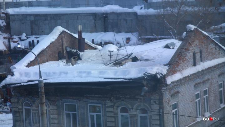 Госохранкультура: крыша жилого дома на Водников рухнула из-за снега