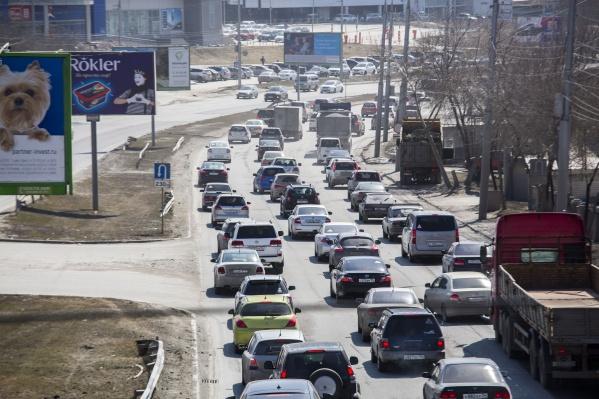 За три месяца новосибирцы купили больше трёх тысяч новых машин