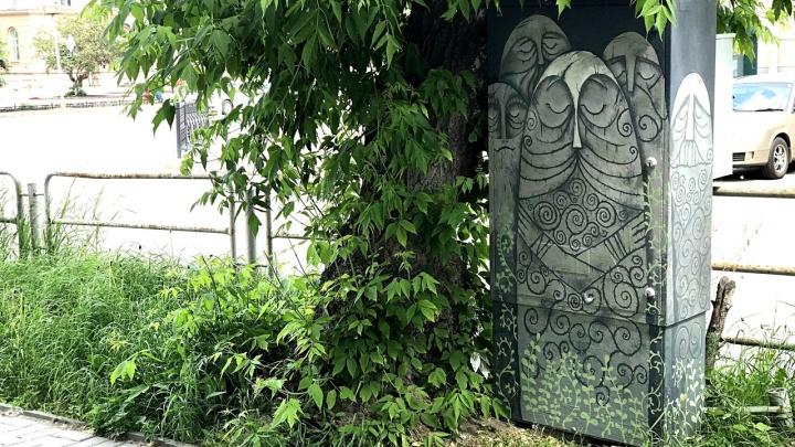 Духи леса из мультфильма «Песнь моря» украсили центр Челябинска