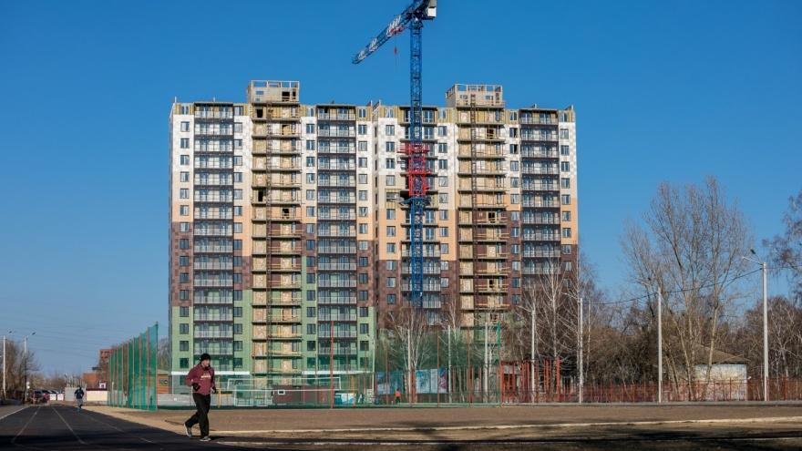 Дольщики жилого комплекса Green Park бьют тревогу: жилой комплекс строится медленно